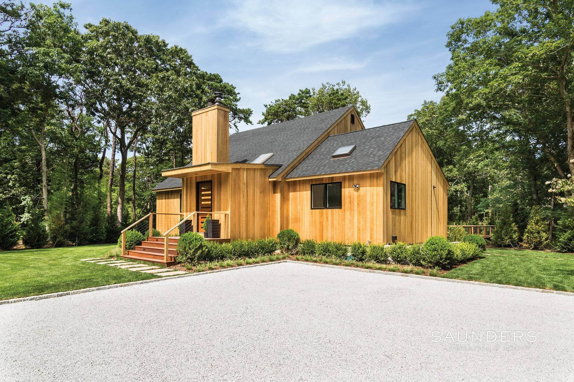 17. Single Family Homes at Exceptional Sleek Contemporary East Hampton, East Hampton Town, NY 11937