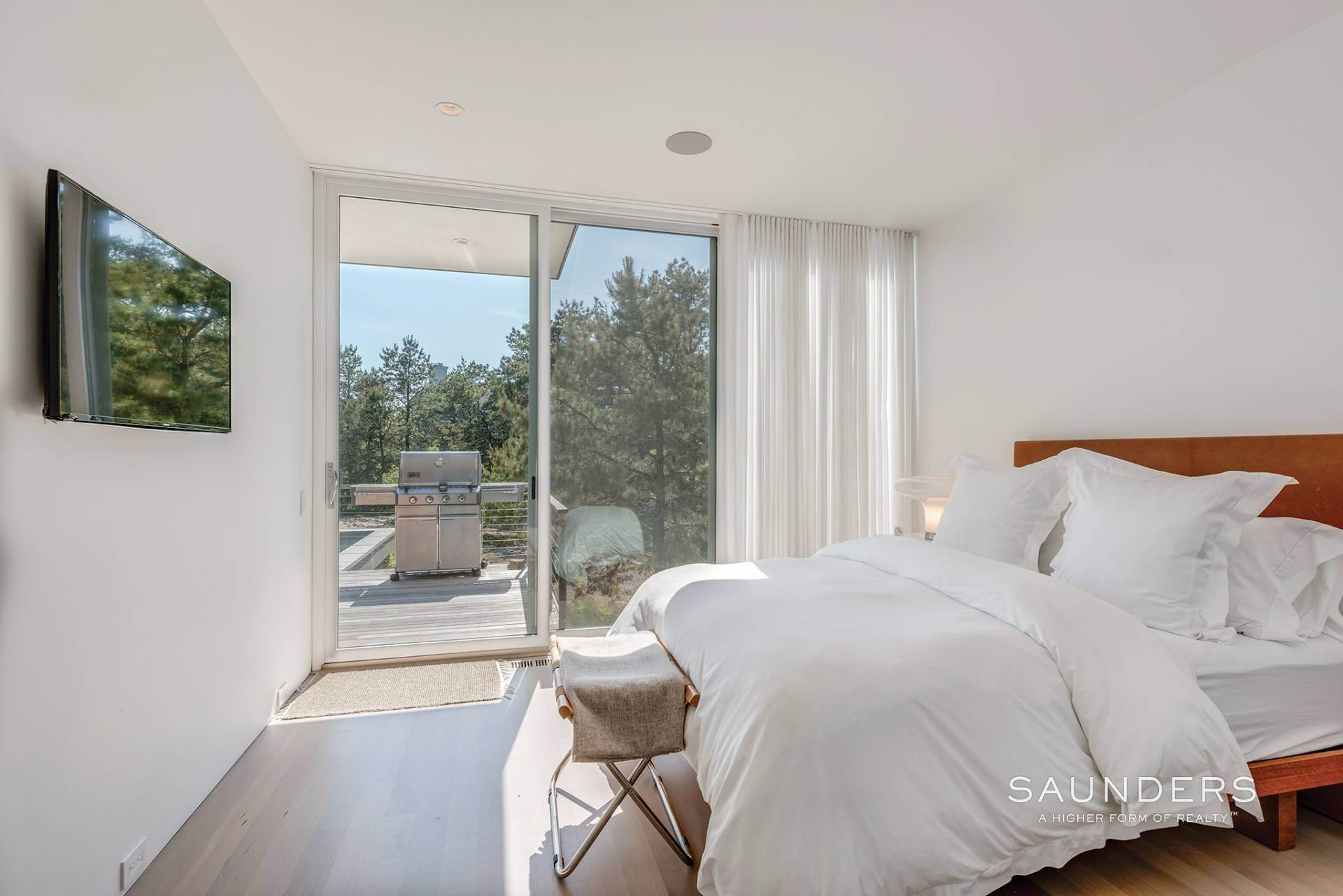 15. Single Family Homes at Private Modern In Amagansett Dunes Napeague, East Hampton Town, NY 11930