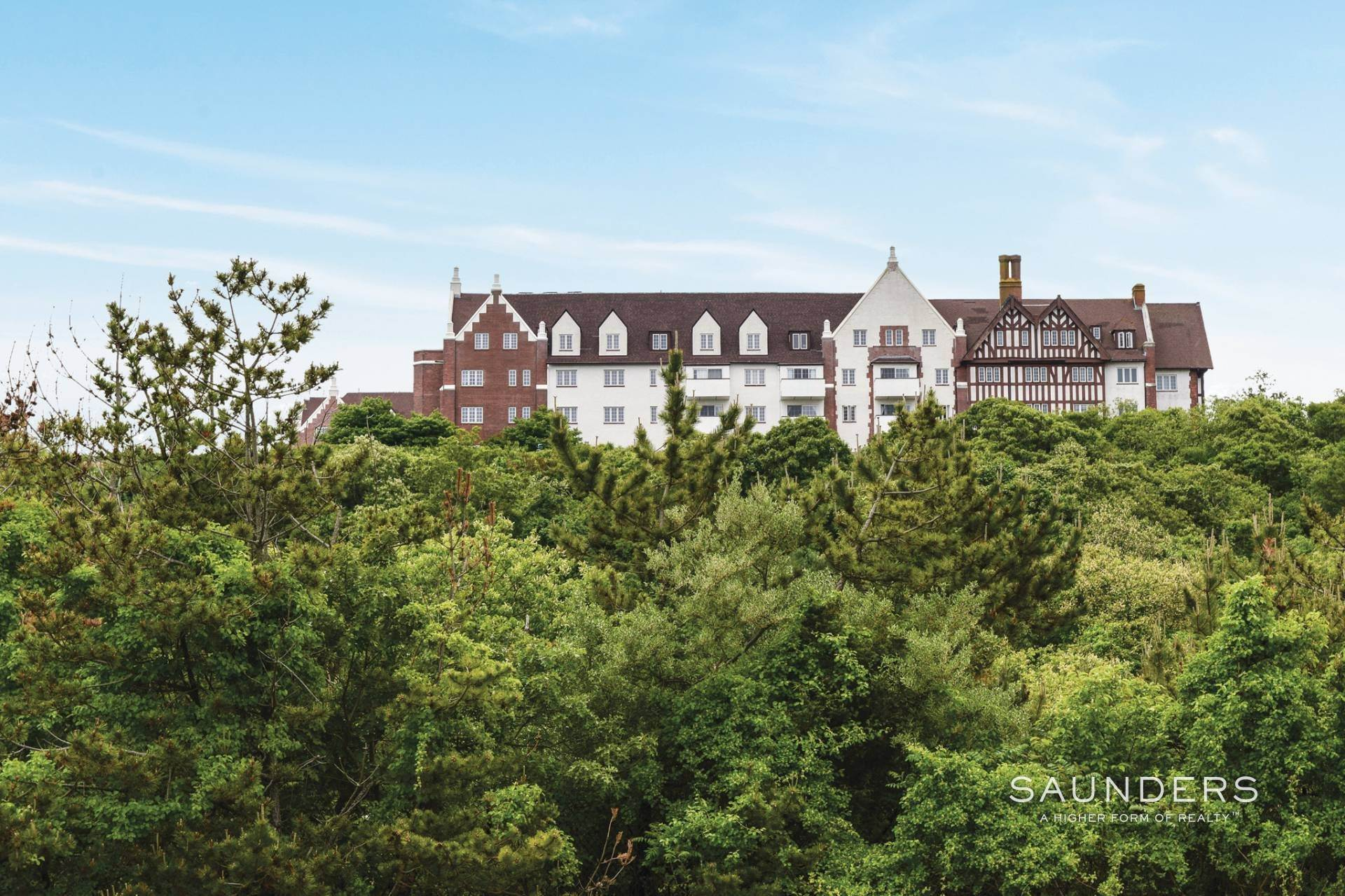 10. Condominiums for Sale at Remarkable Manor Unit Available Montauk, East Hampton Town, NY 11954