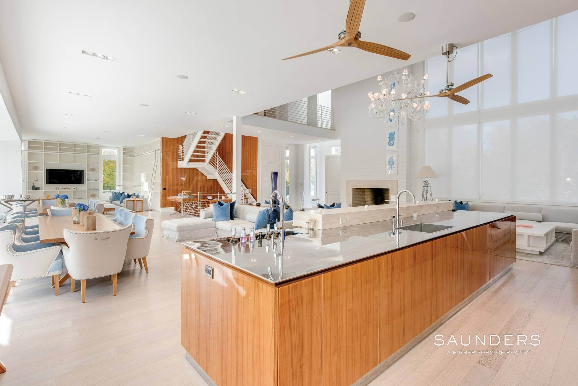 11. Single Family Homes at Spacious Living And Entertaining At Its Best Undisclosed Address, Southampton, Southampton Town, NY 11968