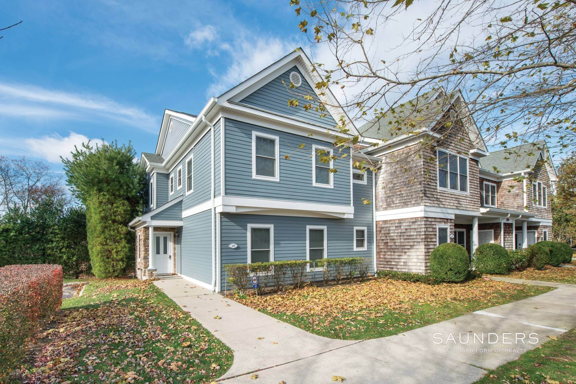 townhouses for Sale at Immaculate And Light-Filled Southampton Townhouse Southampton, Southampton Town, NY 11968