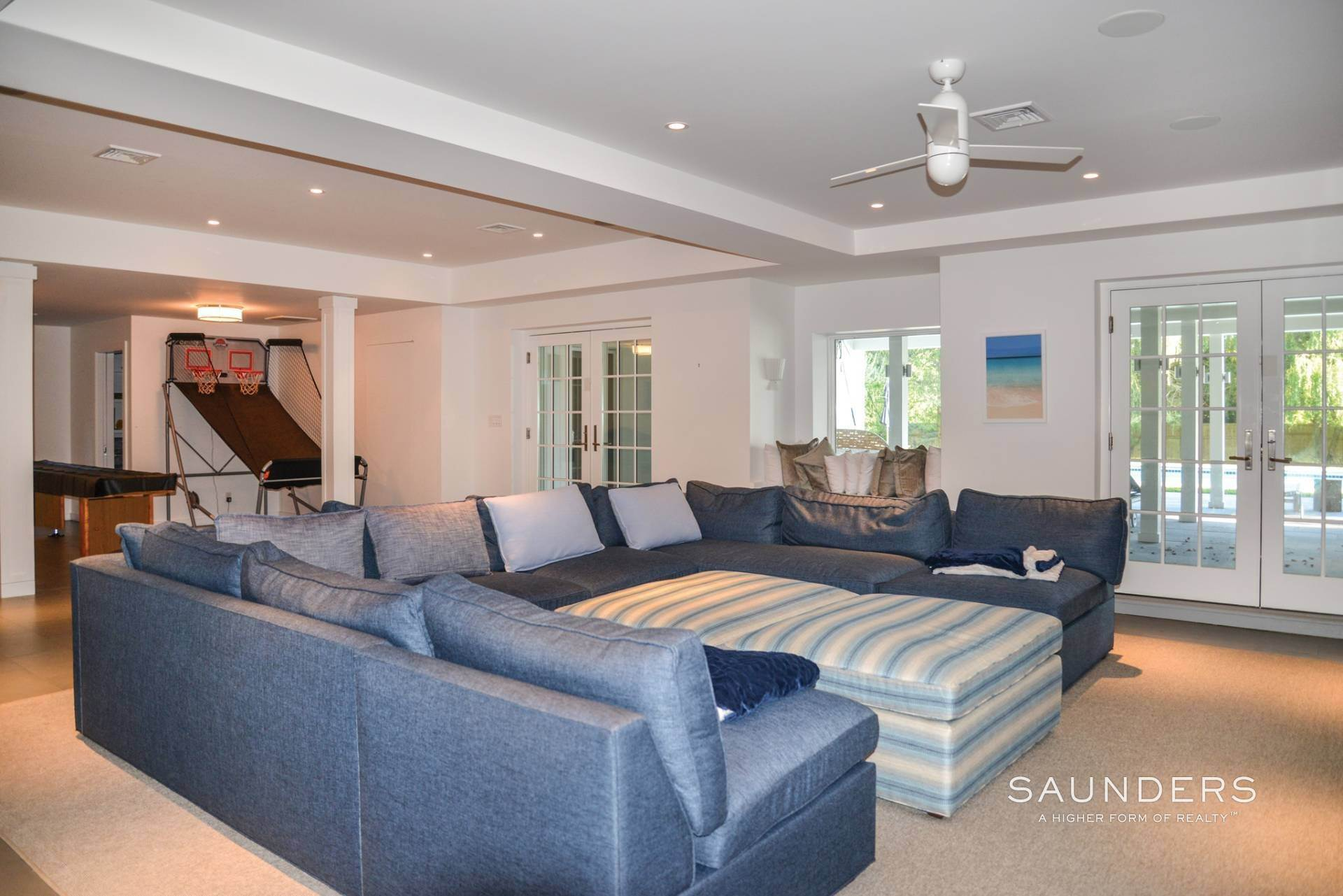23. Single Family Homes for Sale at Southampton South Of Highway 24 Petrel Road, Southampton, Southampton Town, NY 11968