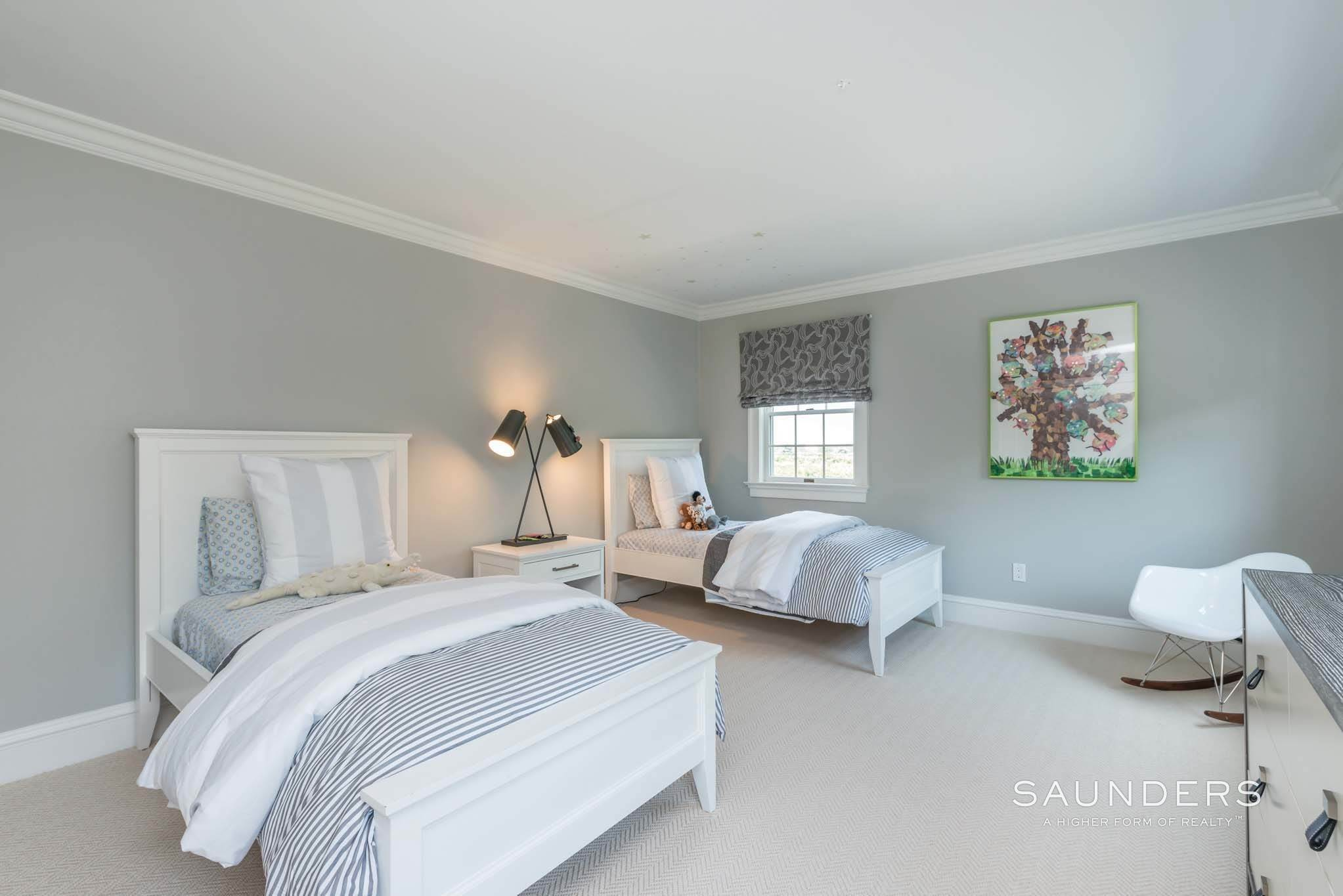 18. Single Family Homes at Exquisite Southampton Near Beach And Village With Pool 20 Mill Farm Lane, Water Mill, Southampton Town, NY 11976