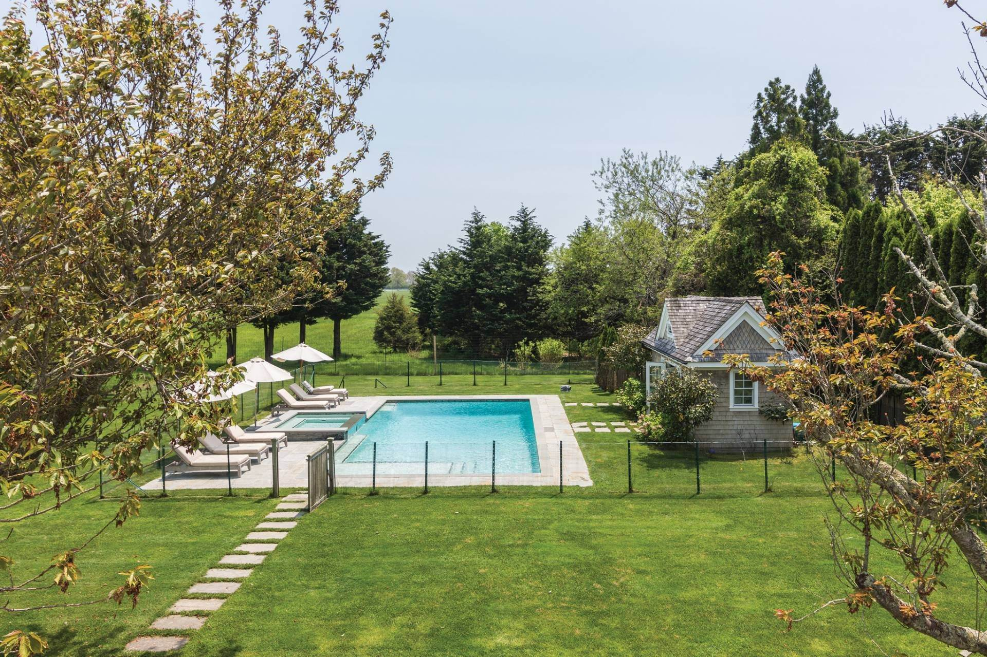 23. Single Family Homes at Elegant In East Hampton 2 Skimhampton Road, East Hampton, East Hampton Town, NY 11937