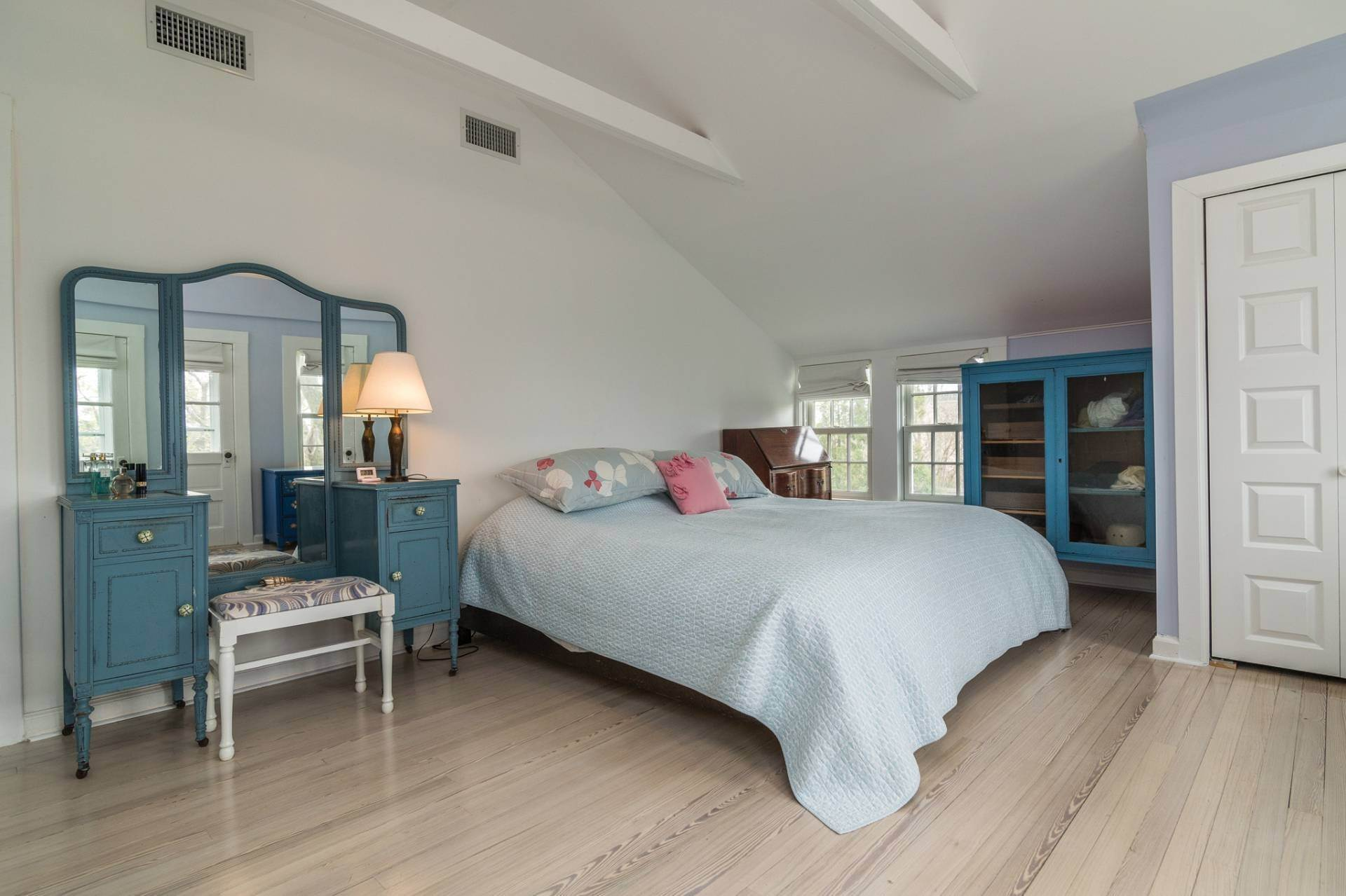 10. Single Family Homes at Pretty Southampton Retreat With Heated Pool And Tennis Southampton, Southampton Town, NY 11968