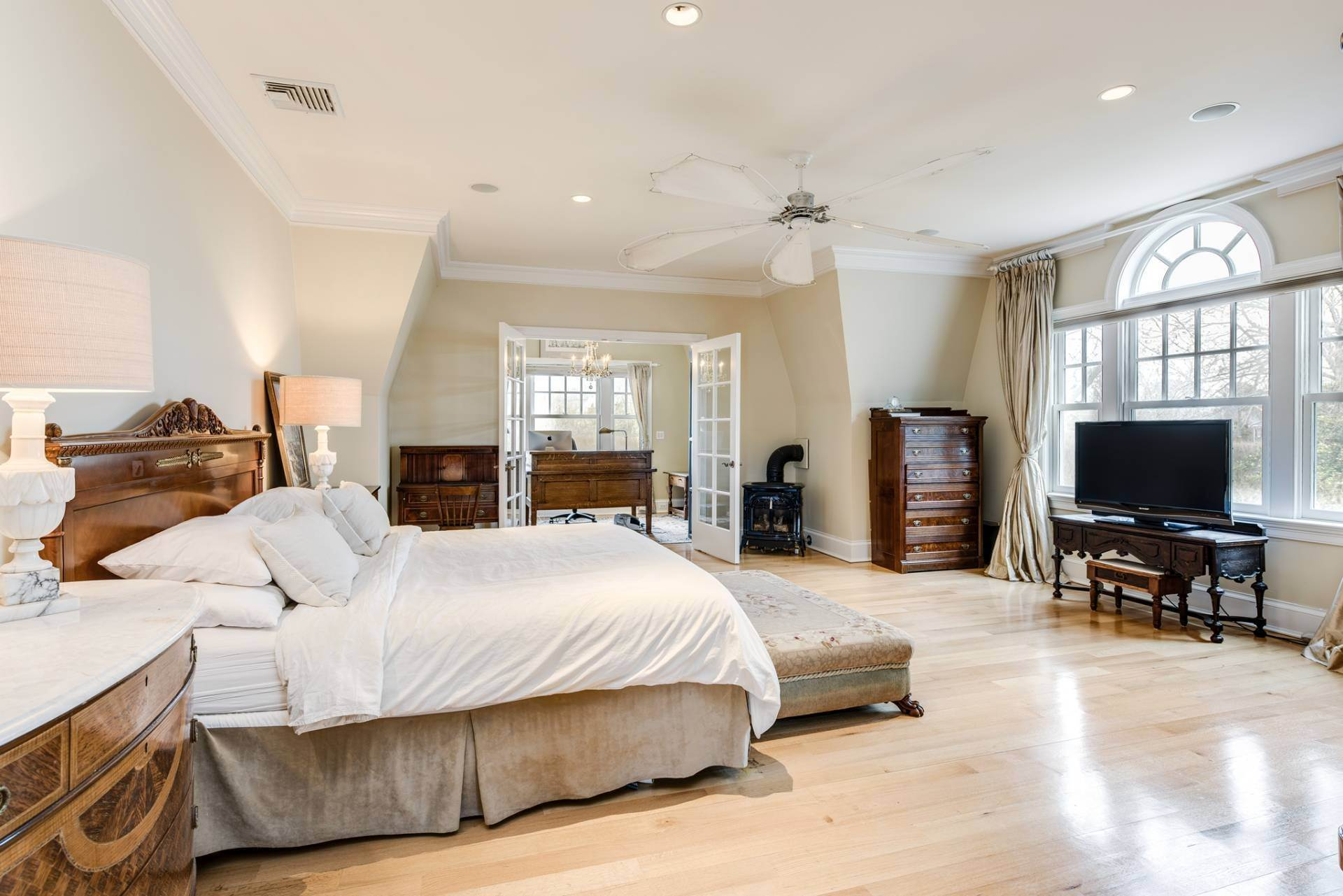 12. Single Family Homes at Resort Style Living In Southampton 229 White Street, Southampton, Southampton Town, NY 11968