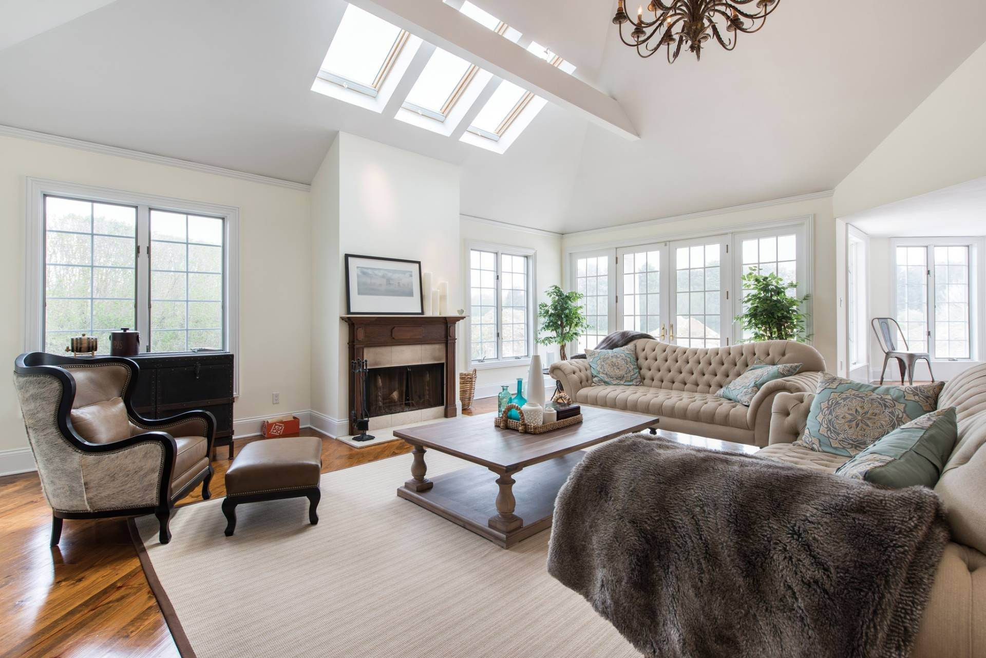 5. Single Family Homes at The Perfect Southampton Rental South Of The Highway Southampton, Southampton Town, NY 11968