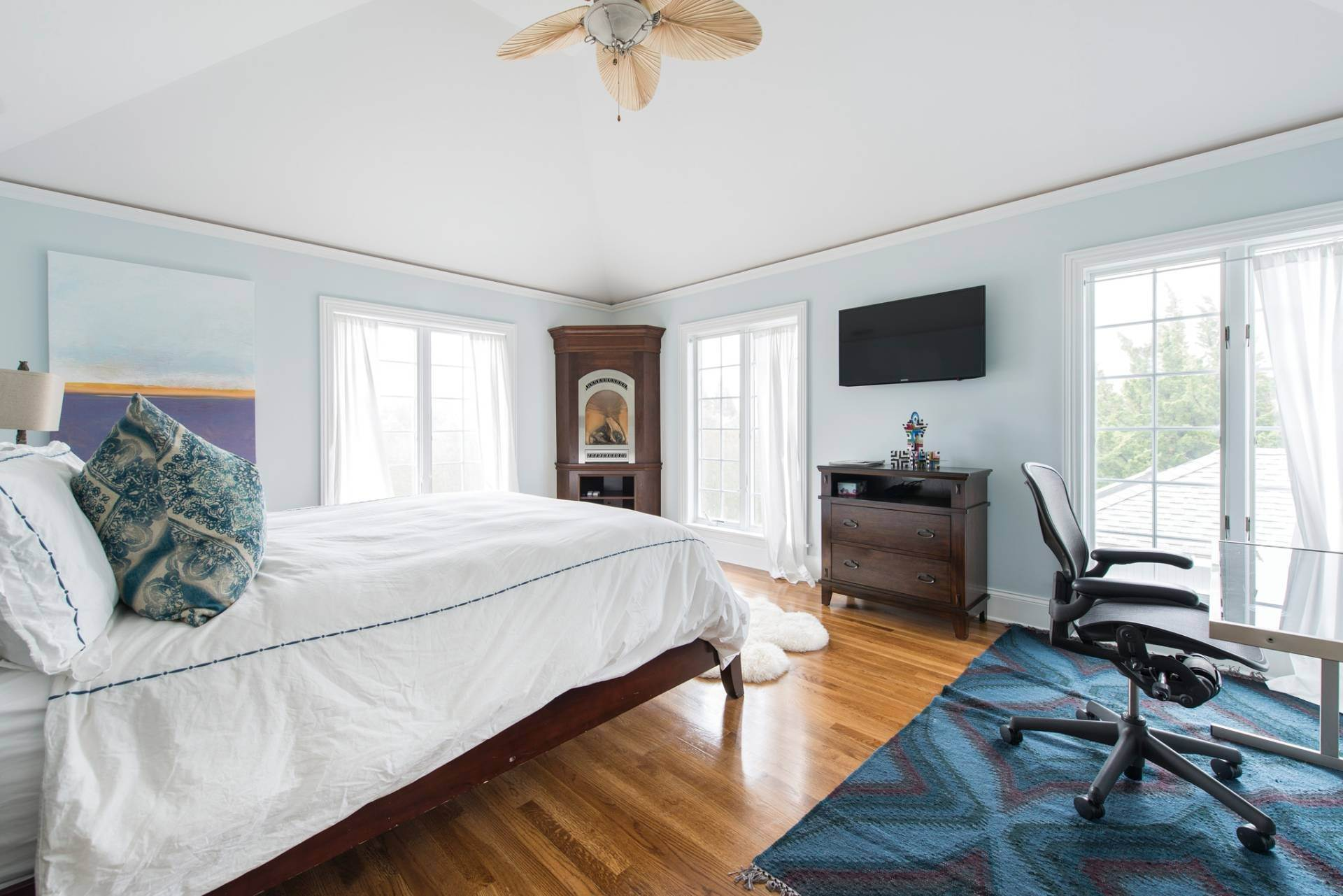 13. Single Family Homes at The Perfect Southampton Rental South Of The Highway Southampton, Southampton Town, NY 11968
