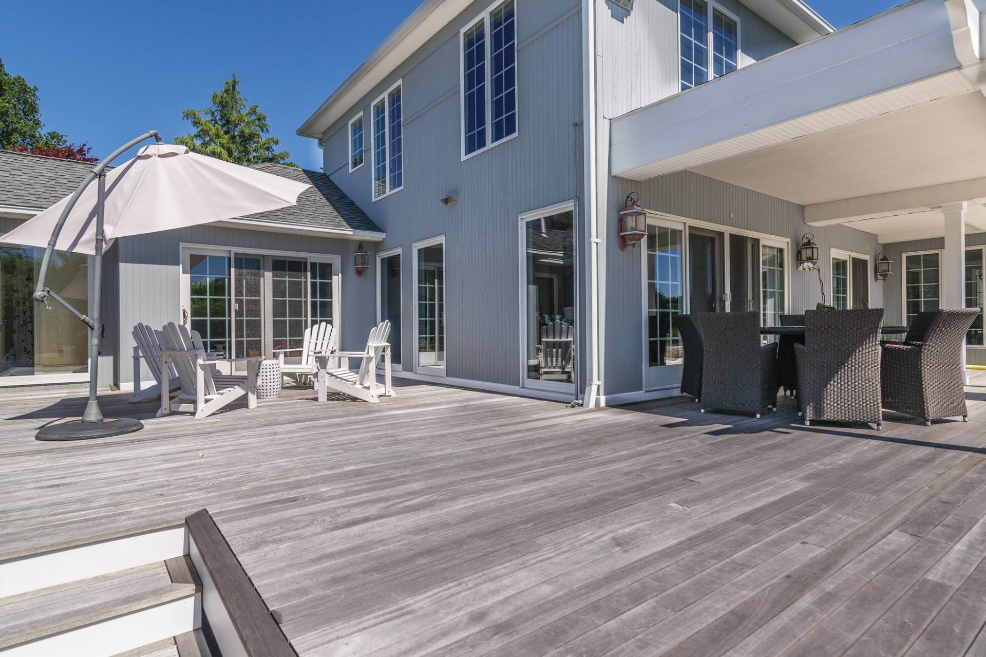 24. Single Family Homes at The Perfect Southampton Rental South Of The Highway Southampton, Southampton Town, NY 11968