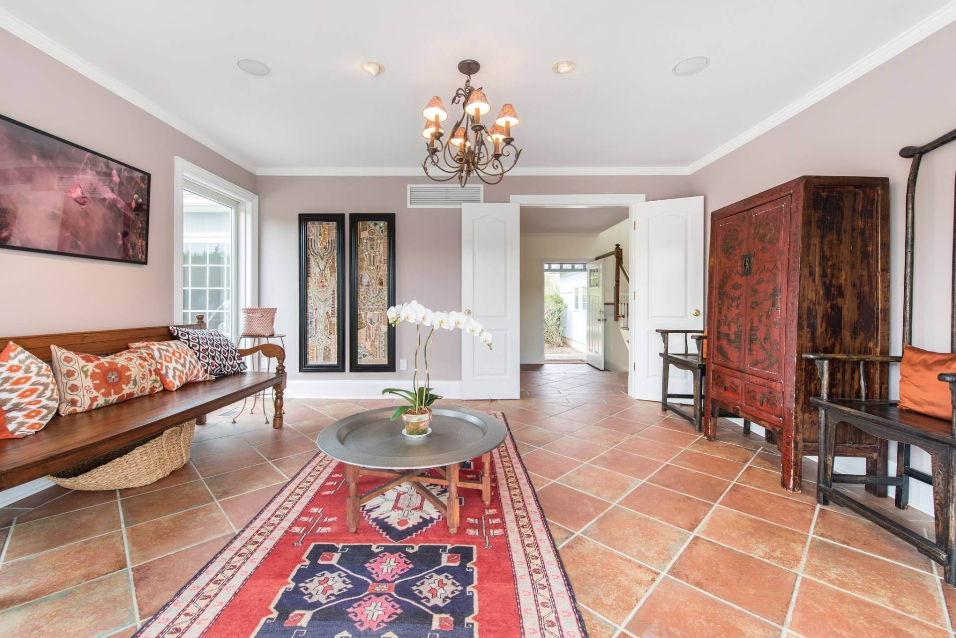 10. Single Family Homes at The Perfect Southampton Rental South Of The Highway Southampton, Southampton Town, NY 11968