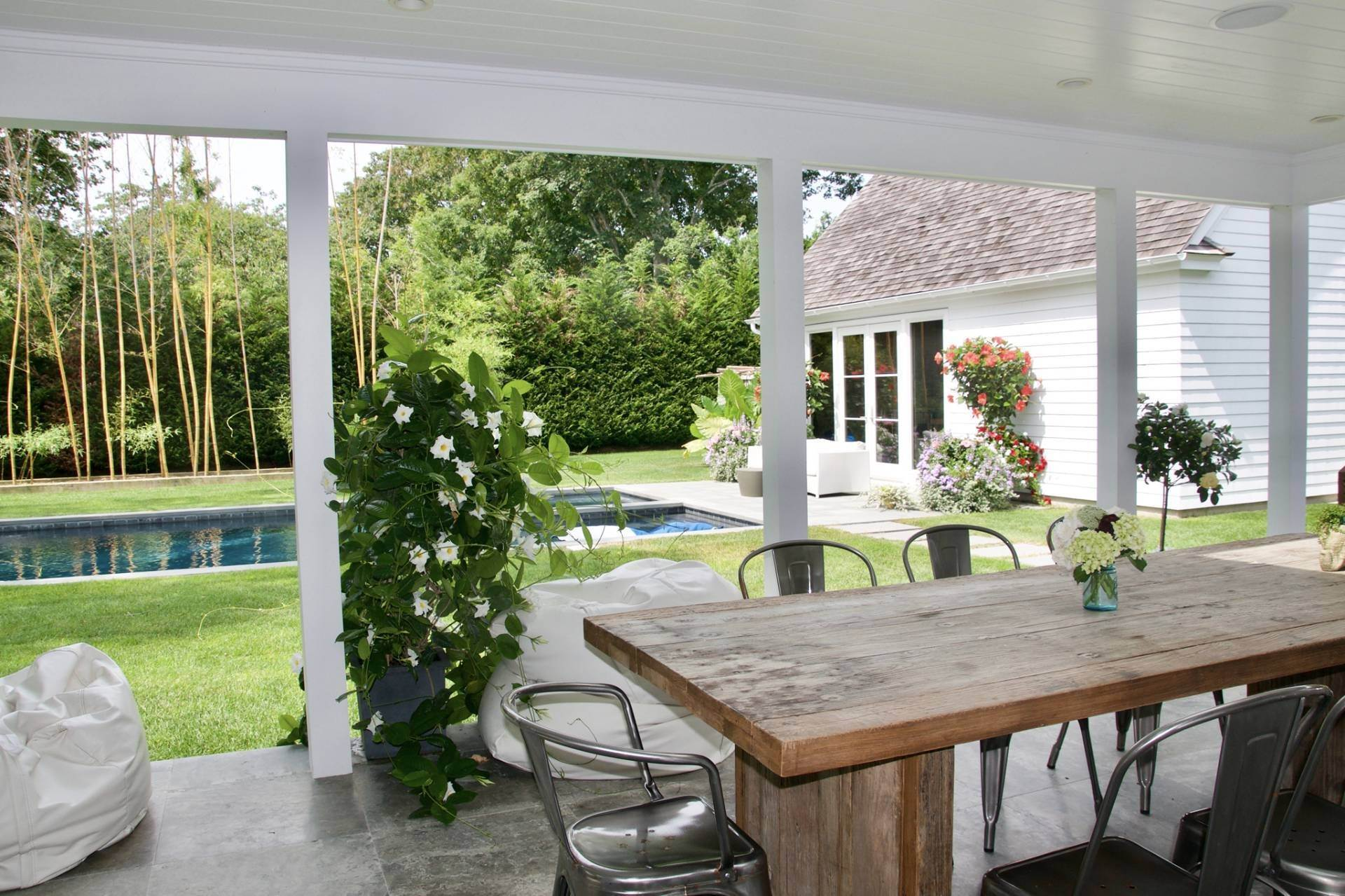 20. Single Family Homes at Stunning Home In Amagansett Lanes Amagansett, East Hampton Town, NY 11930