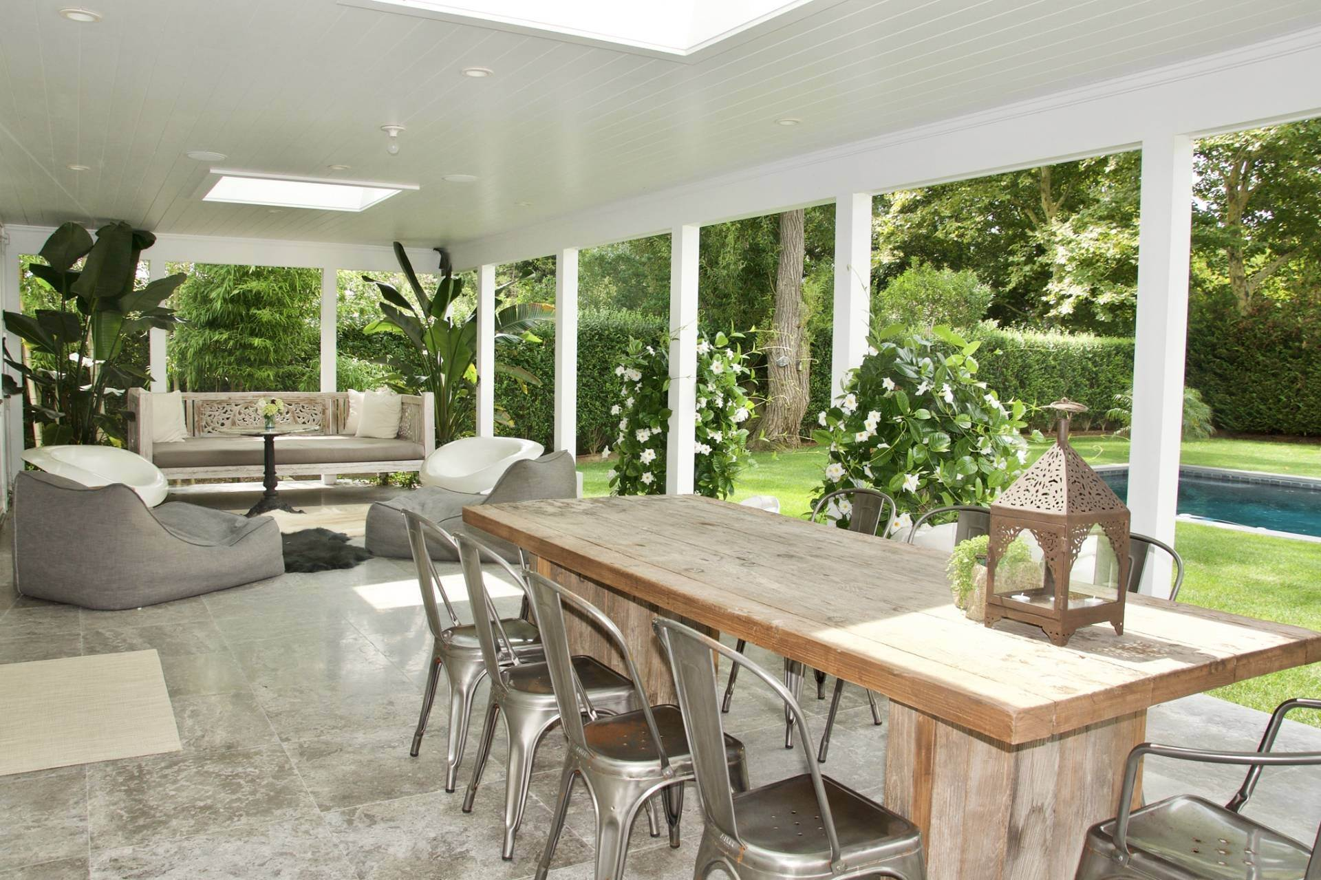5. Single Family Homes at Stunning Home In Amagansett Lanes Amagansett, East Hampton Town, NY 11930