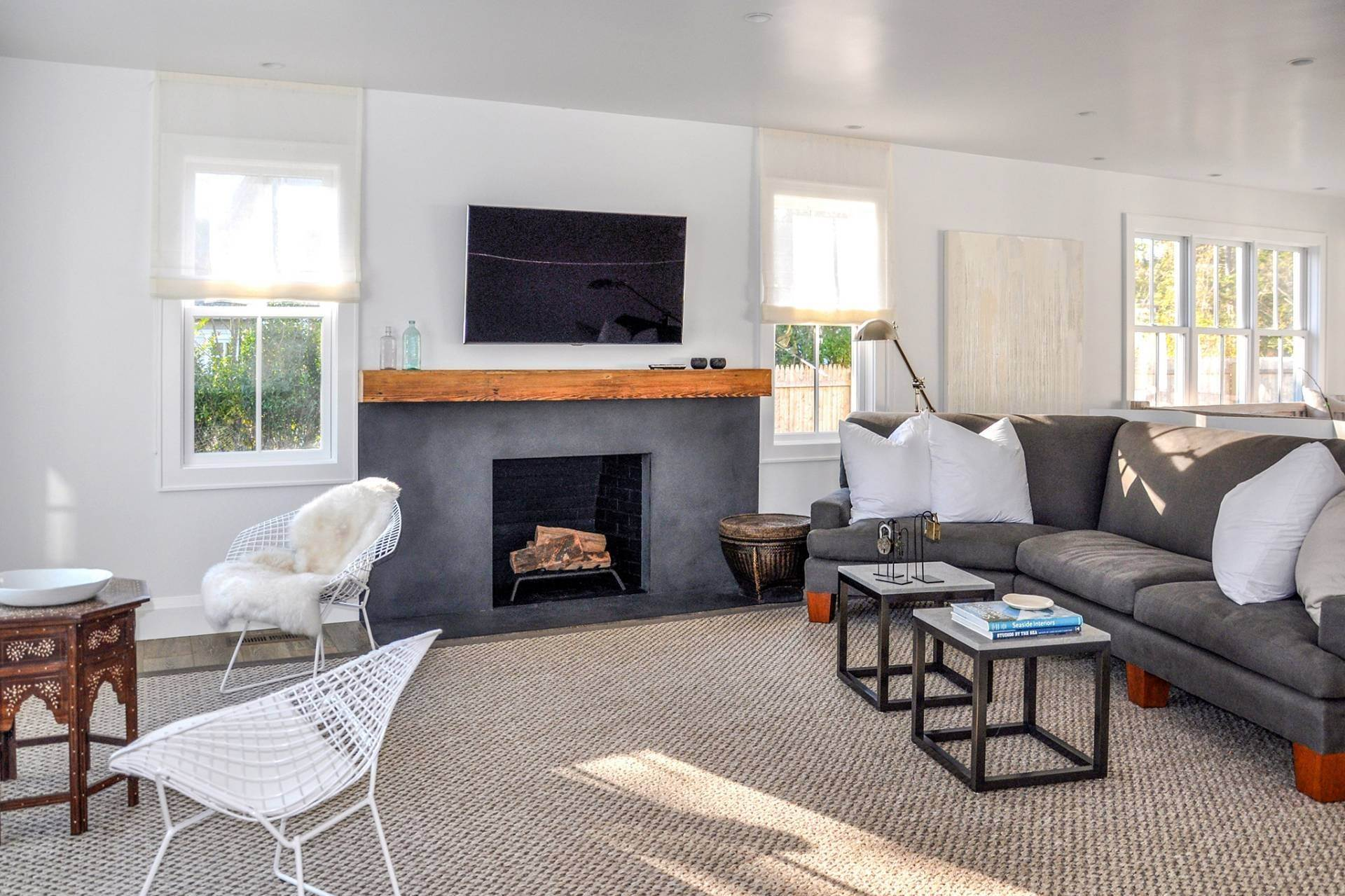 6. Single Family Homes at Stunning Home In Amagansett Lanes Amagansett, East Hampton Town, NY 11930
