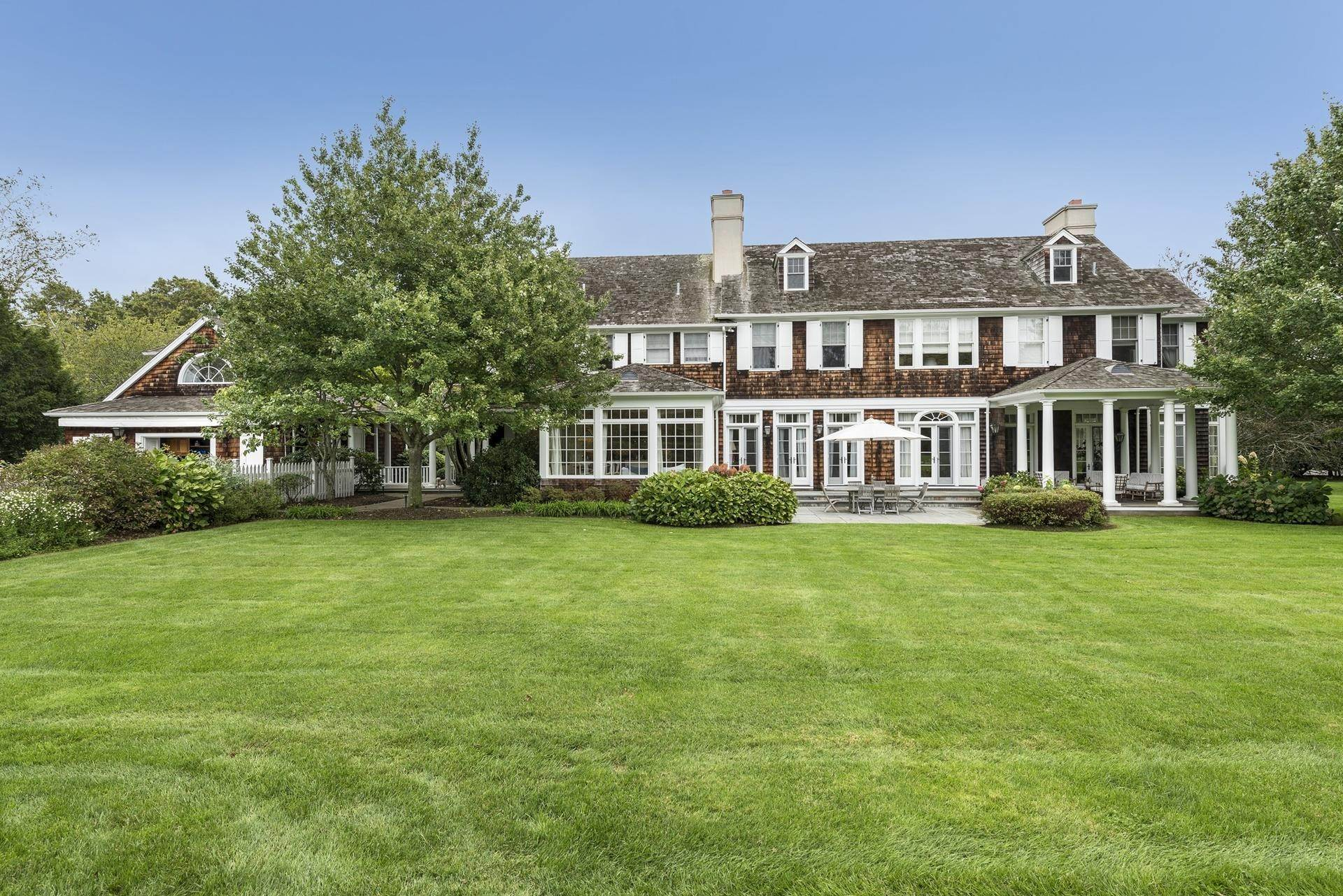 Single Family Homes at Luxury Estate In Southampton Village Southampton, Southampton Town, NY 11968