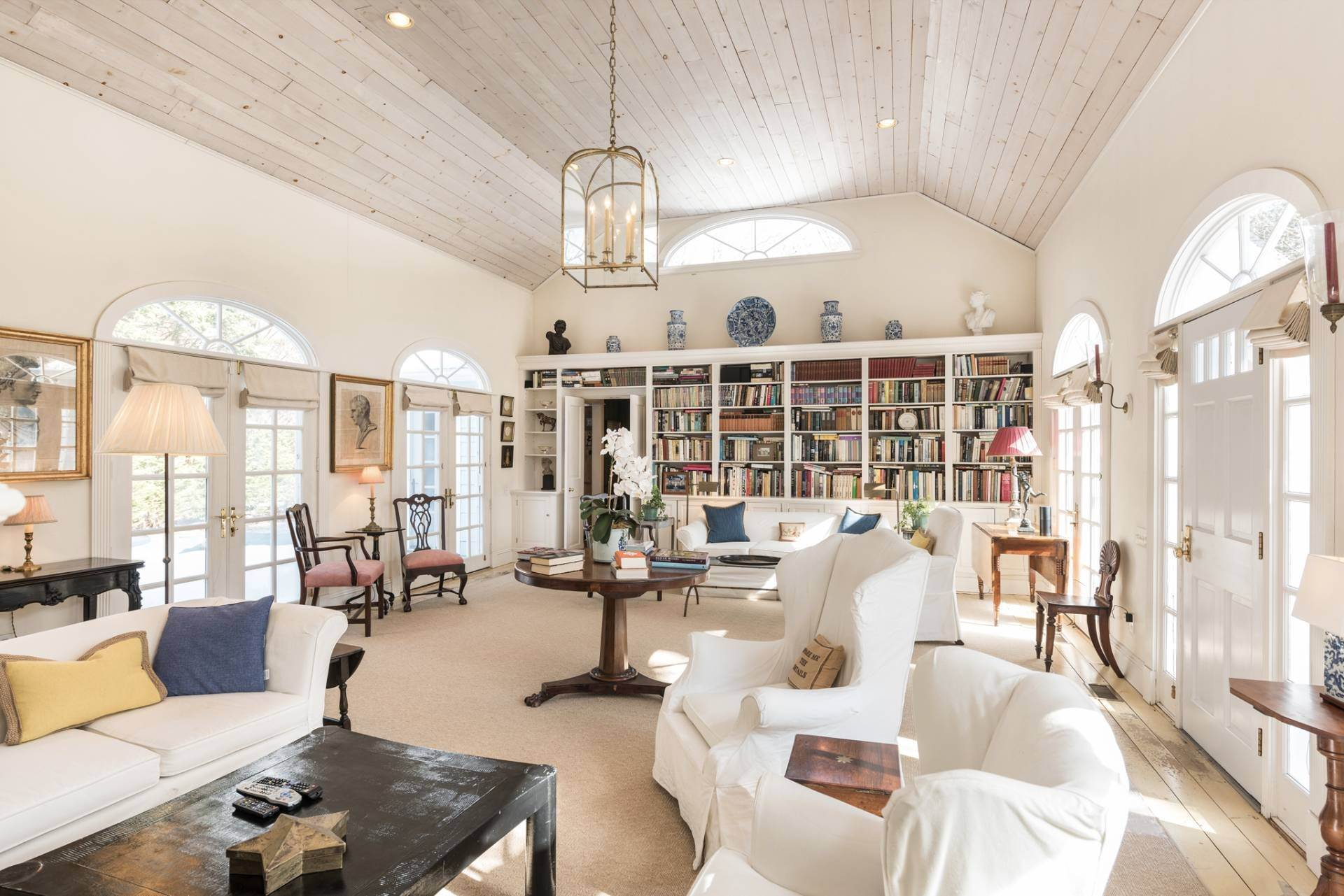 2. Single Family Homes at True Hamptons Cottage South Of The Highway Wainscott, East Hampton Town, NY 11975