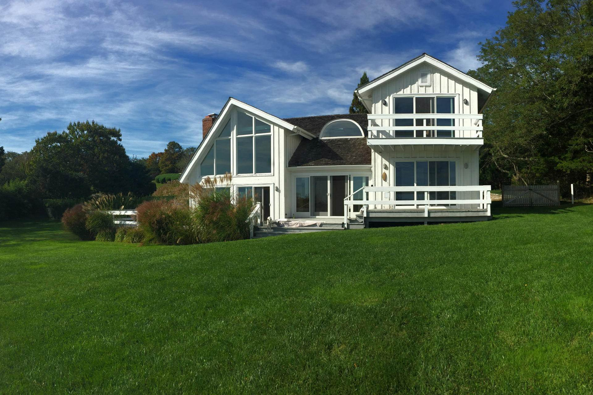 2. Single Family Homes at Fabulous Shelter Island Waterview With Pool Shelter Island Heights, Shelter Island, NY 11964