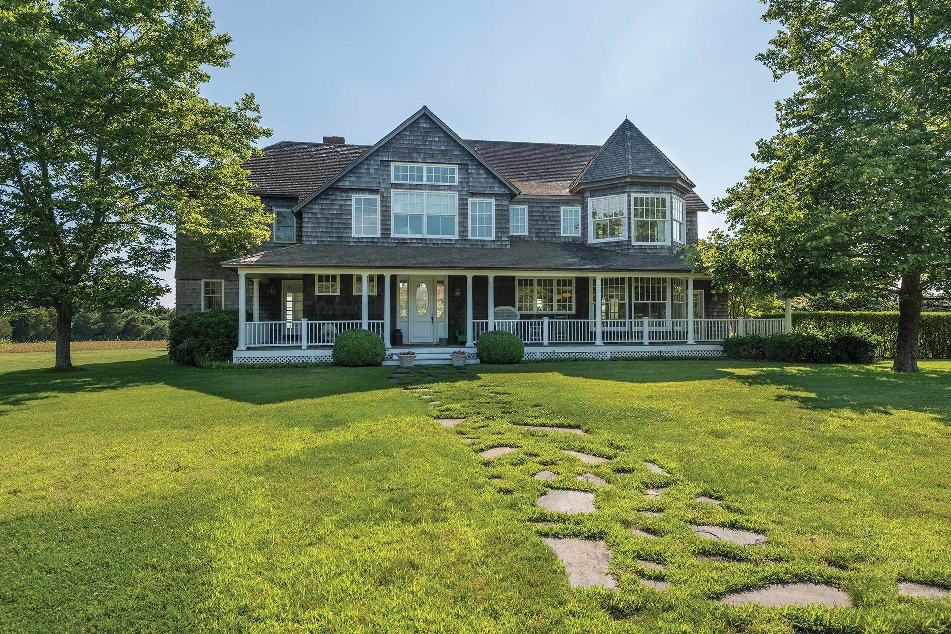 7. Single Family Homes for Sale at Prestigious Ocean Road 770 Ocean Road, Bridgehampton, Southampton Town, NY 11932