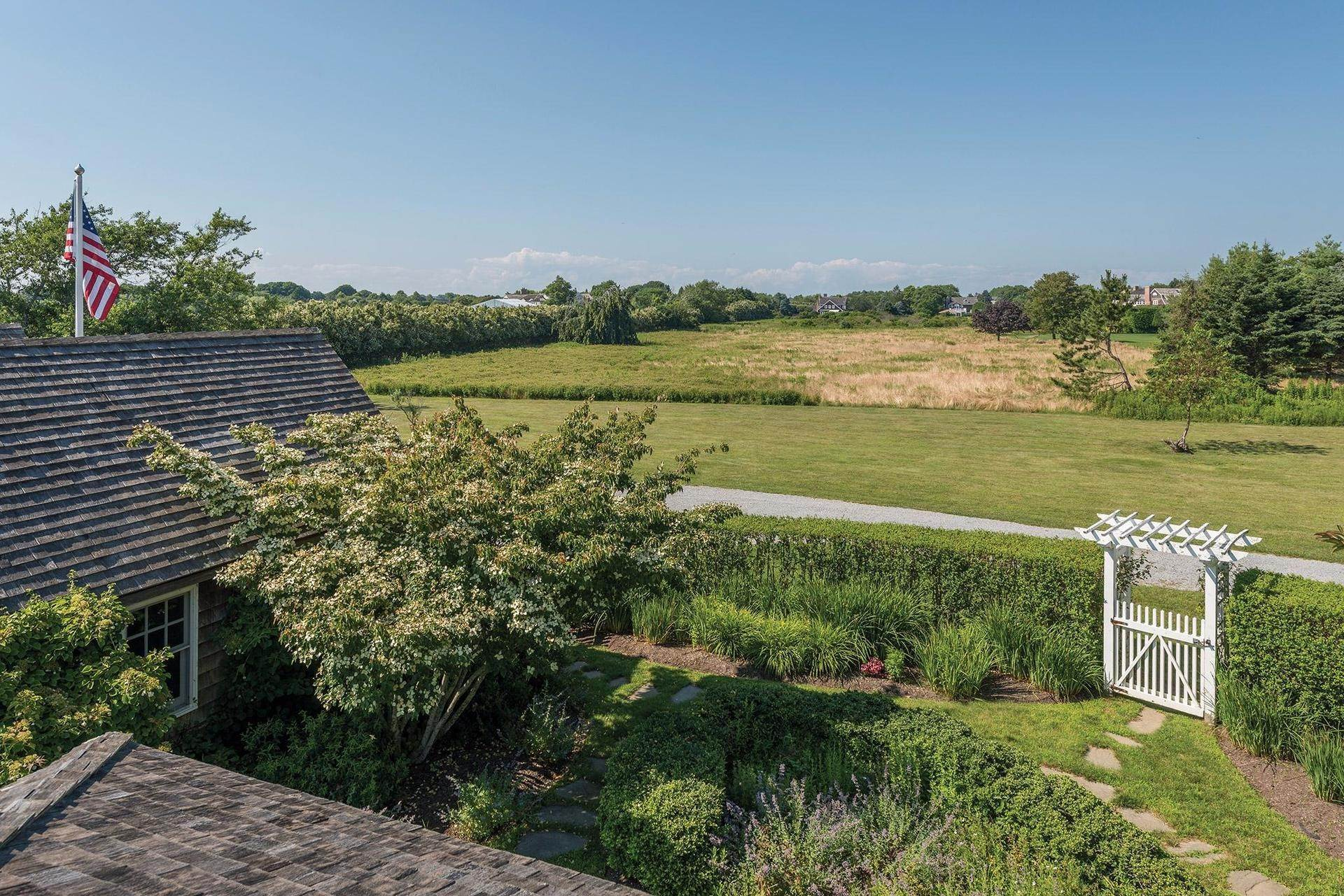 9. Single Family Homes for Sale at Prestigious Ocean Road 770 Ocean Road, Bridgehampton, Southampton Town, NY 11932