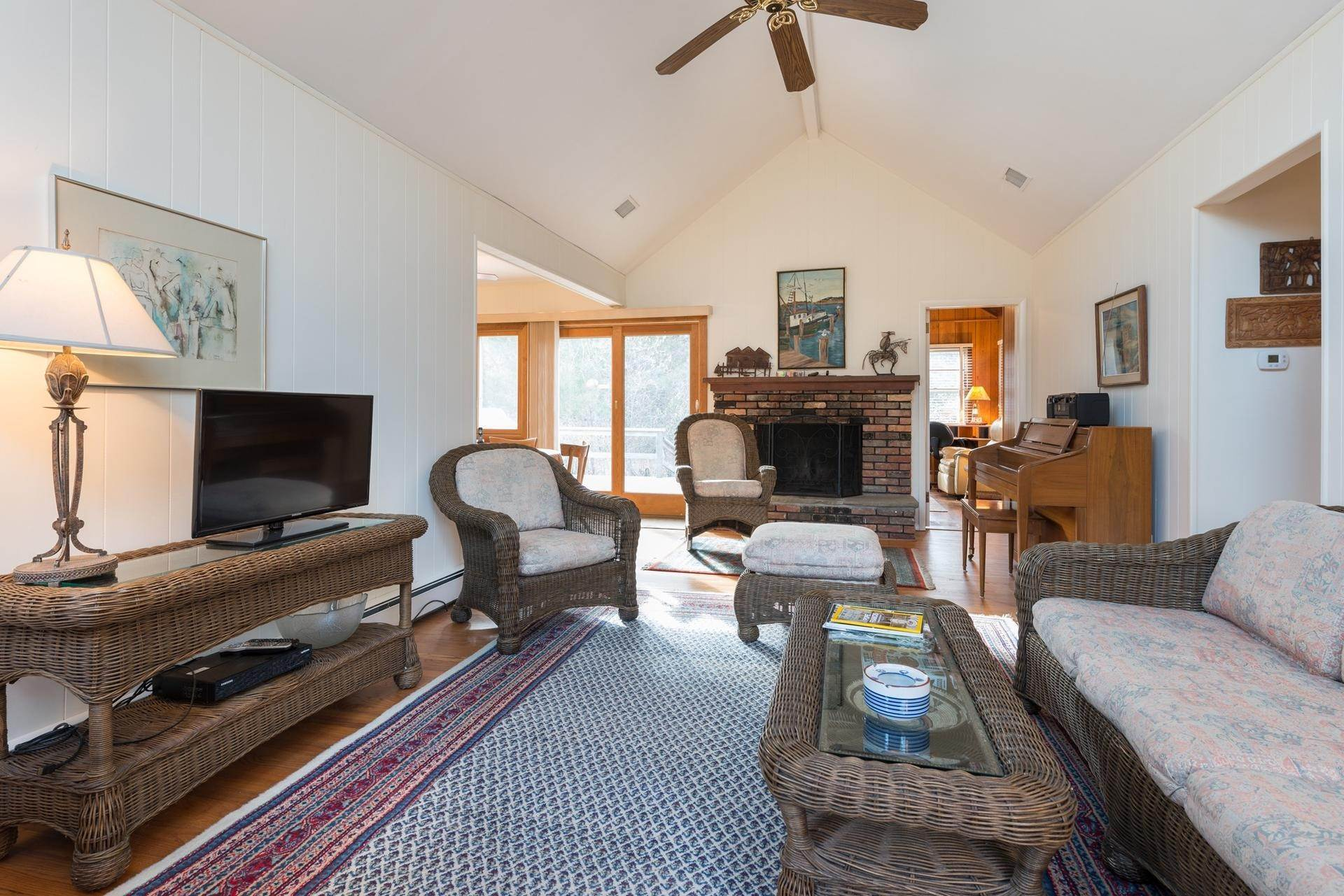4. Single Family Homes at Amagansett Dunes Beach Cottage Amagansett, East Hampton Town, NY 11930