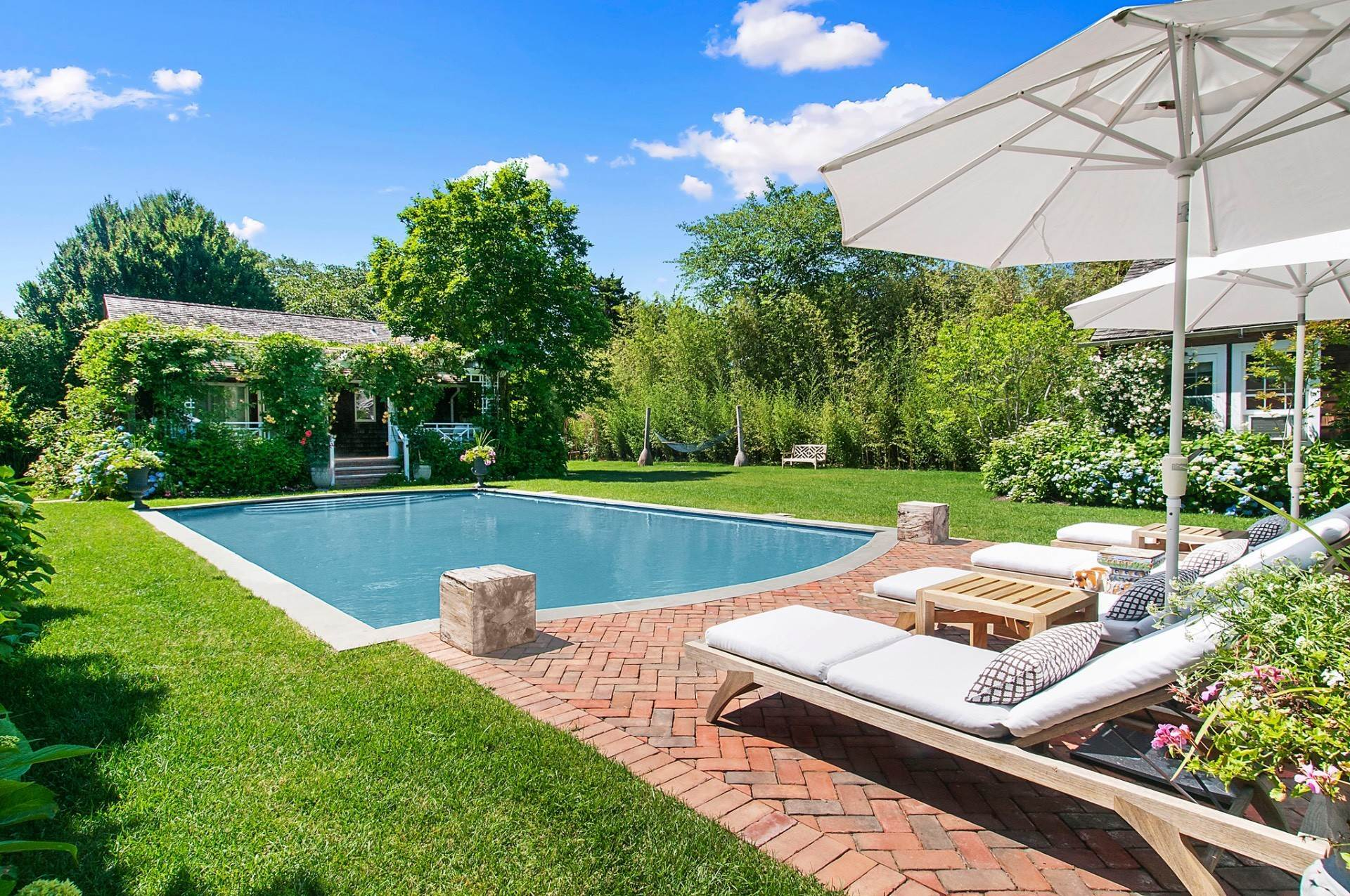 Single Family Homes at East Hampton Village South Newly Renovated East Hampton, East Hampton Town, NY 11937