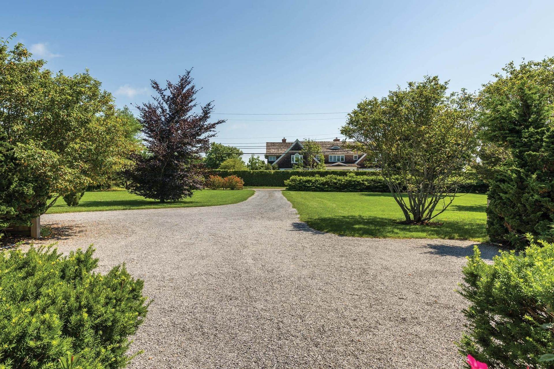 24. Single Family Homes at Stunning Sagaponack South Southampton Town, NY 11962