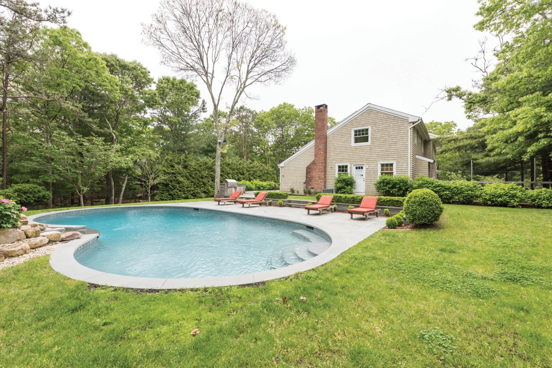 Single Family Homes at East Hampton Near NW W/ Pool East Hampton, East Hampton Town, NY 11937
