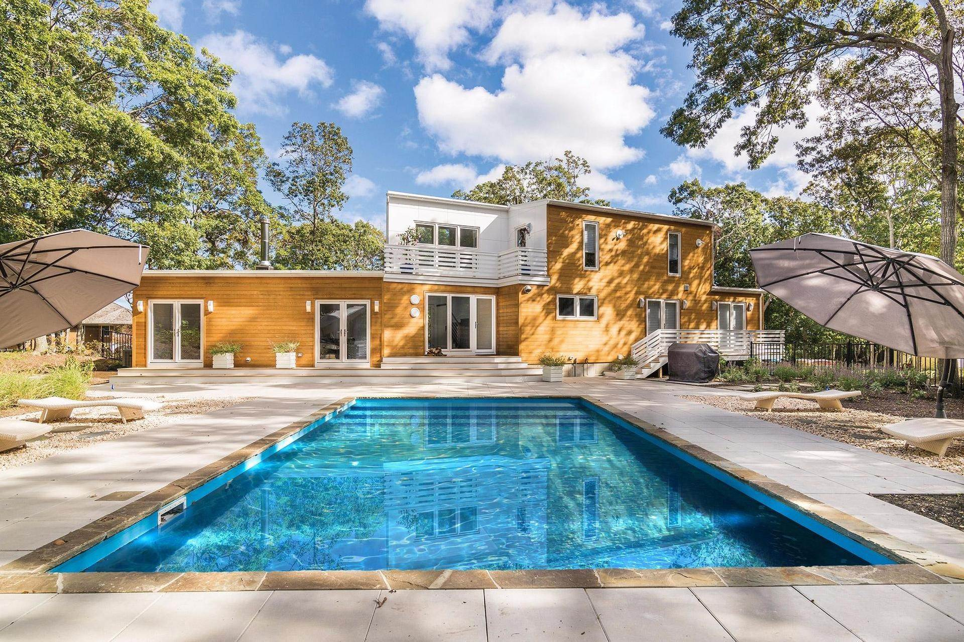 20. Single Family Homes for Sale at Prestigious Hedges Banks Contemporary! 43 Hedges Banks Drive, East Hampton, East Hampton Town, NY 11937