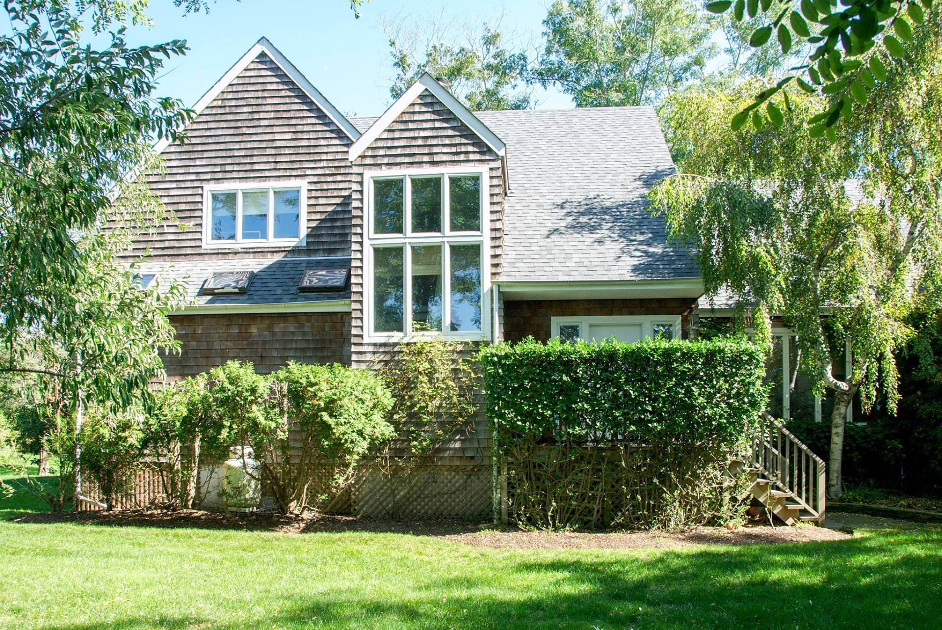 15. Single Family Homes at Summer South Of The Highway Southampton, Southampton Town, NY 11968