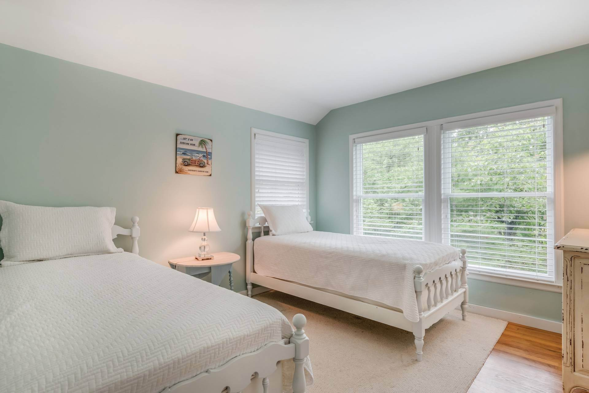 17. Single Family Homes at Summer Or Year Round East Hampton Gem! East Hampton, East Hampton Town, NY 11937
