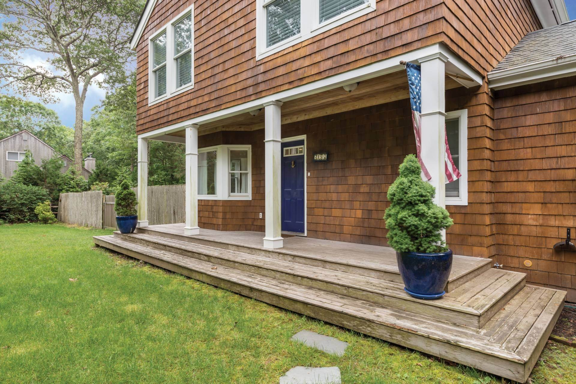 2. Single Family Homes at Summer Or Year Round East Hampton Gem! East Hampton, East Hampton Town, NY 11937