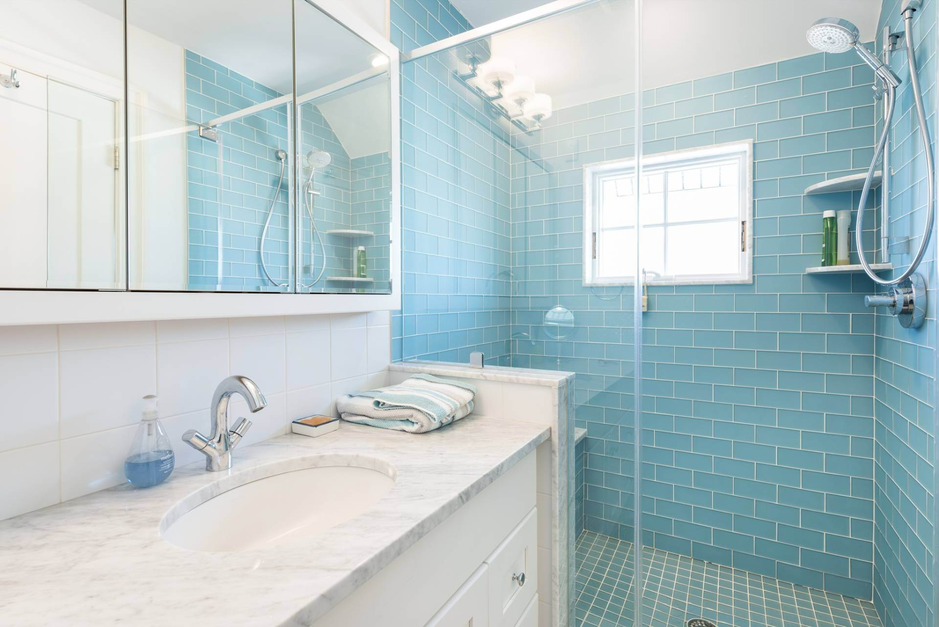 20. Single Family Homes at What A View! Gorgeous Summer Retreat--Sunsets, Pool & Boat Lift 9 Seatuck Lane, Remsenburg, Southampton Town, NY 11960