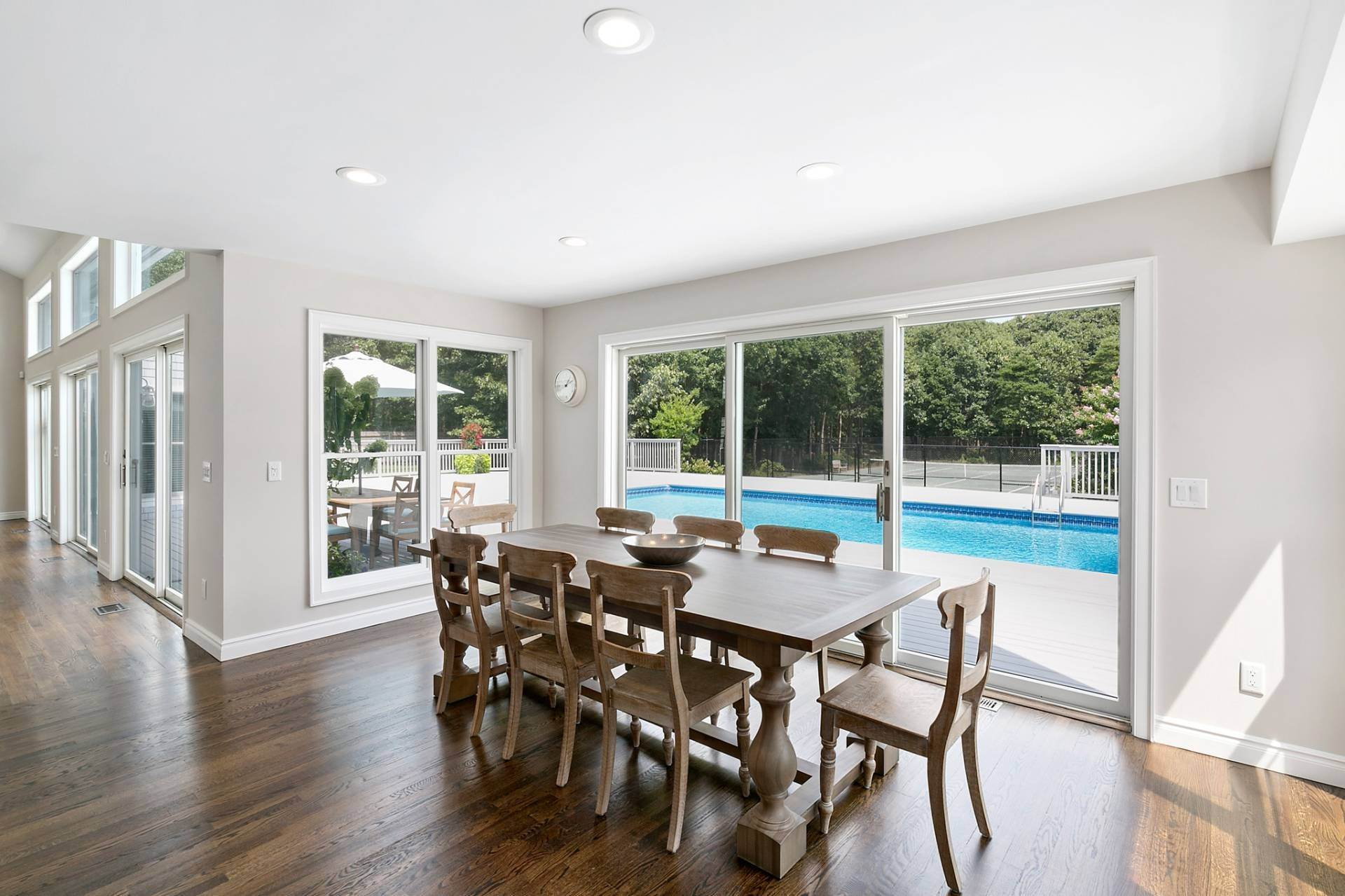 3. Single Family Homes at Southampton Contemporary Southampton, Southampton Town, NY 11968