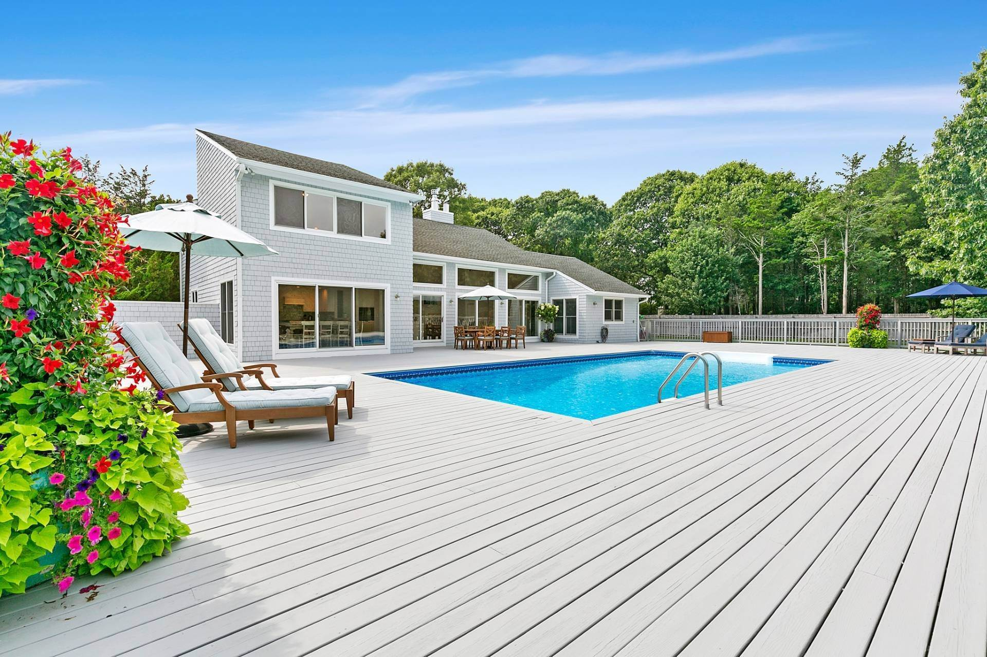 Single Family Homes at Southampton Contemporary Southampton, Southampton Town, NY 11968