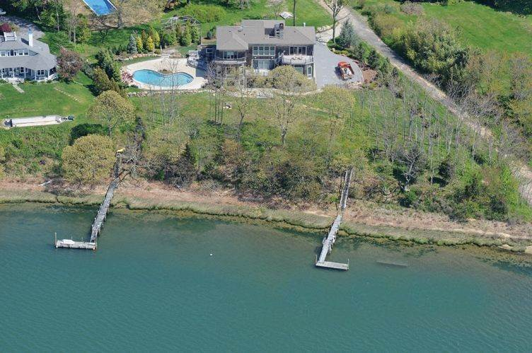 Single Family Homes at Stunning Shelter Island Bay Front With Dock And Pool Shelter Island Heights, Shelter Island, NY 11964