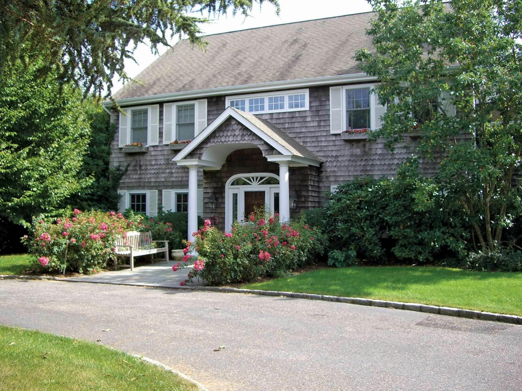 2. Single Family Homes at Bridgehampton Horse Country On Reserve Bridgehampton, Southampton Town, NY 11932