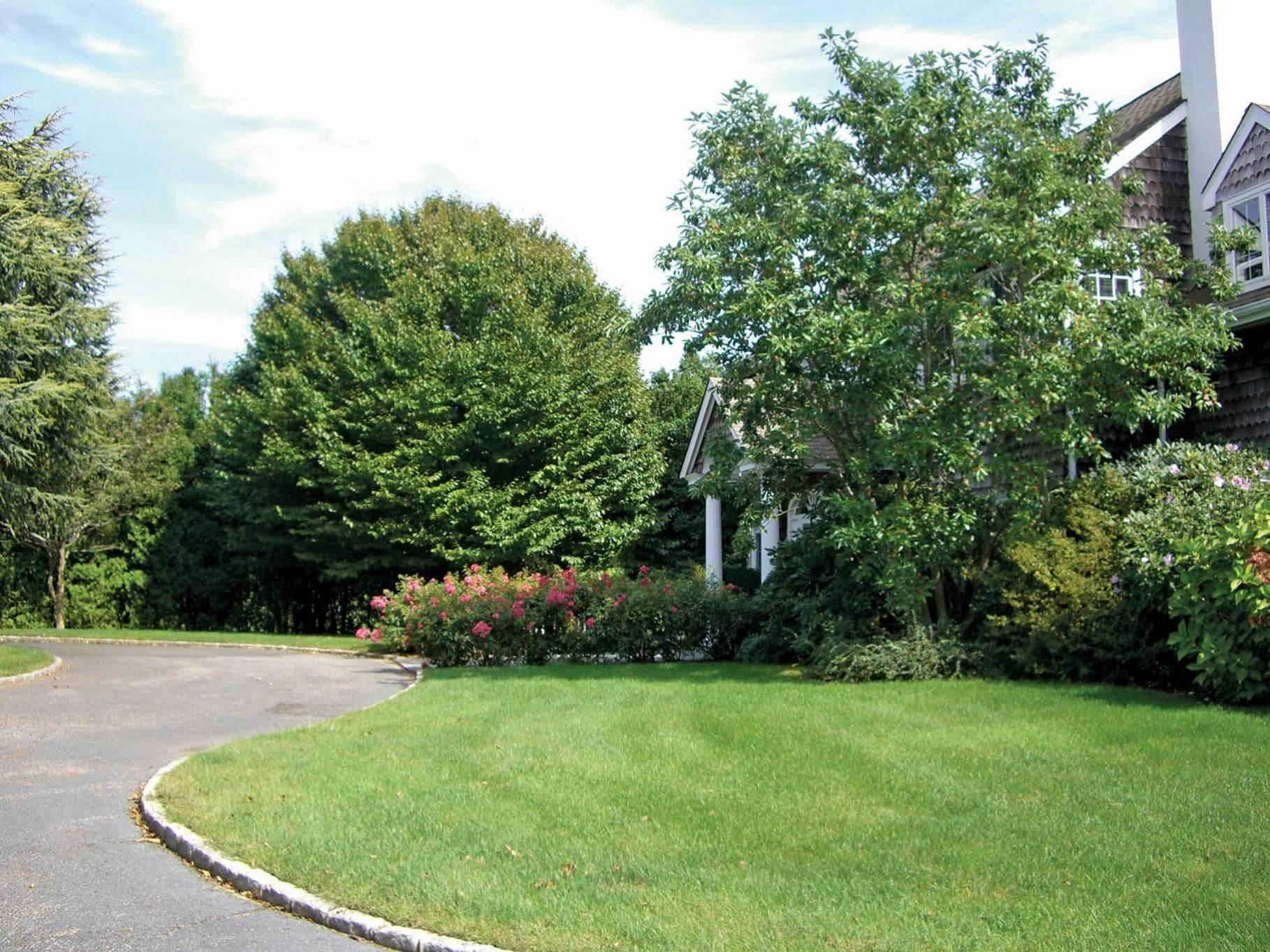 7. Single Family Homes at Bridgehampton Horse Country On Reserve Bridgehampton, Southampton Town, NY 11932