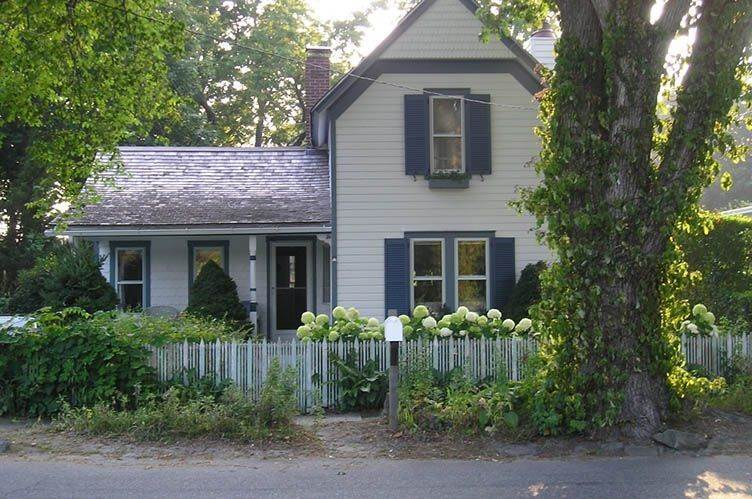Single Family Homes at Short Distance From Everything Sag Harbor, Southampton Town, NY 11963