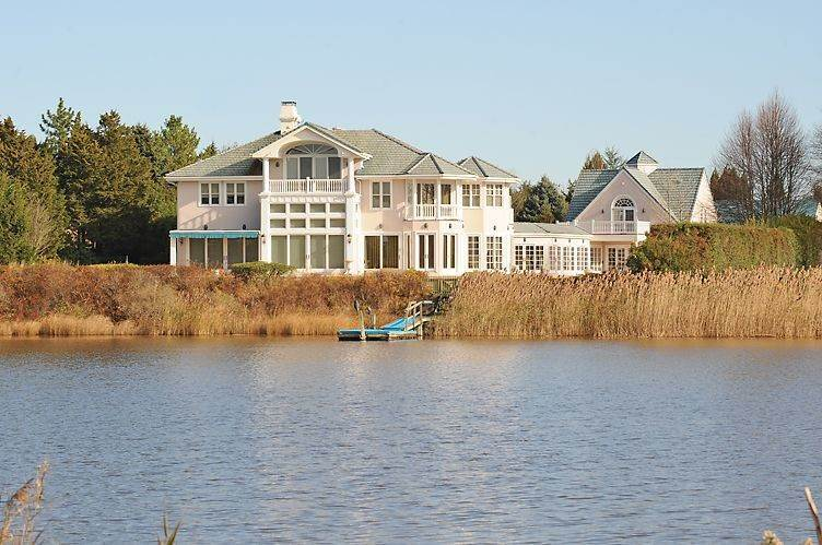 Single Family Homes at Bay Front South Of The Highway Water Mill, Southampton Town, NY 11976
