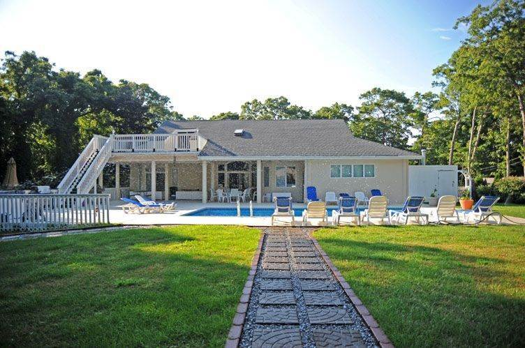 4. Single Family Homes at European Inspired Chateau With Tennis And Pool Sag Harbor, Southampton Town, NY 11963