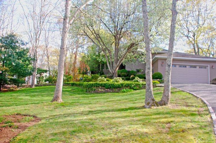 Single Family Homes at Tranquil Setting Southampton, Southampton Town, NY 11968