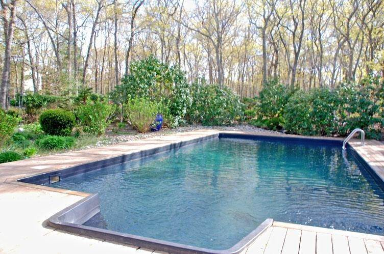 11. Single Family Homes at Tranquil Setting Southampton, Southampton Town, NY 11968