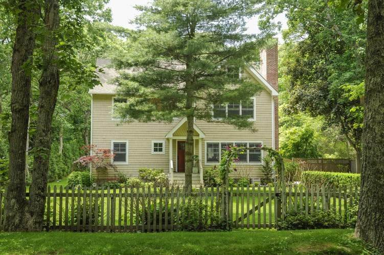 Single Family Homes for Sale at Modern Country Beach Vibe Turnkey In Watermill 331 Seven Ponds Towd Road, Water Mill, Southampton Town, NY 11976