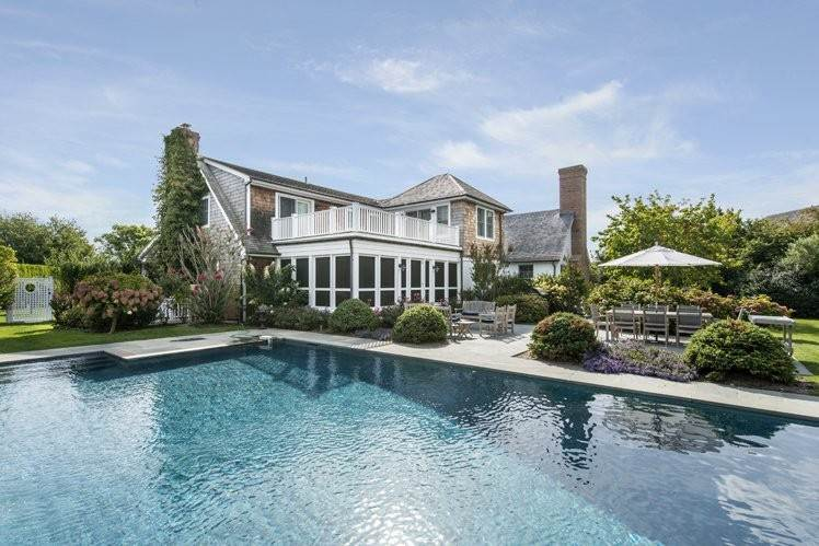 5. Single Family Homes at Breathtaking In Bridgehampton South Water Mill, Southampton Town, NY 11932