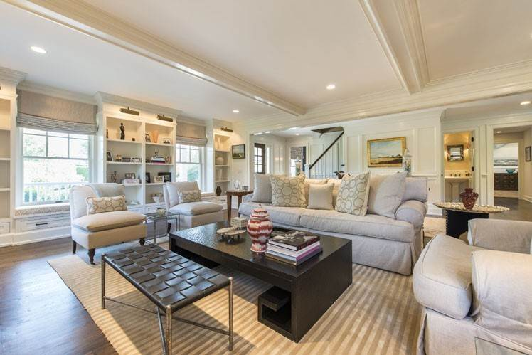 8. Single Family Homes at Breathtaking In Bridgehampton South Water Mill, Southampton Town, NY 11932