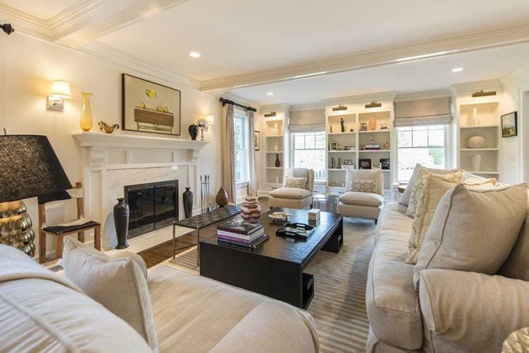 9. Single Family Homes at Breathtaking In Bridgehampton South Water Mill, Southampton Town, NY 11932