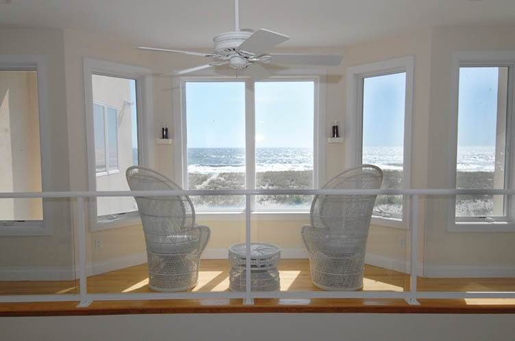 12. Single Family Homes at Oceanfront Beauty Winter Available Summer Or Year Round Westhampton Dunes Village, Southampton Town, NY 11978