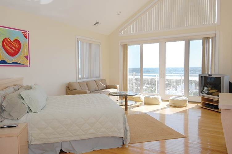 17. Single Family Homes at Oceanfront Beauty Winter Available Summer Or Year Round Westhampton Dunes Village, Southampton Town, NY 11978