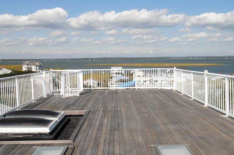 21. Single Family Homes at Oceanfront Beauty Winter Available Summer Or Year Round Westhampton Dunes Village, Southampton Town, NY 11978
