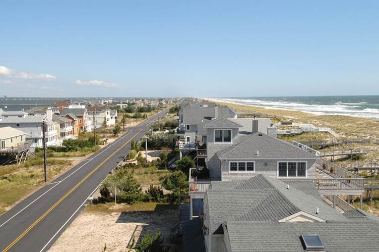 22. Single Family Homes at Oceanfront Beauty Winter Available Summer Or Year Round Westhampton Dunes Village, Southampton Town, NY 11978