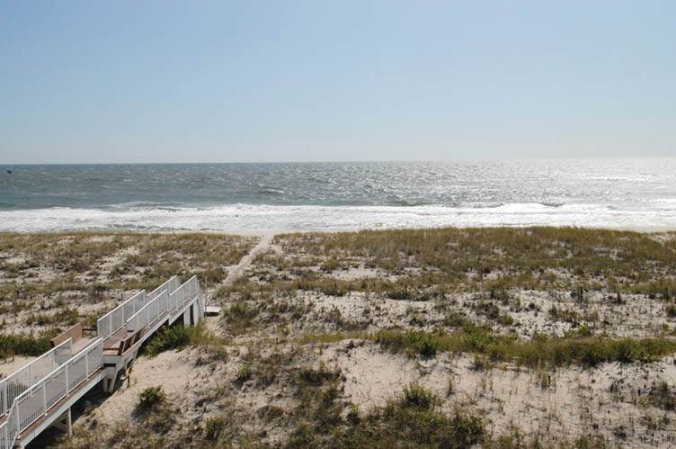 23. Single Family Homes at Oceanfront Beauty Winter Available Summer Or Year Round Westhampton Dunes Village, Southampton Town, NY 11978